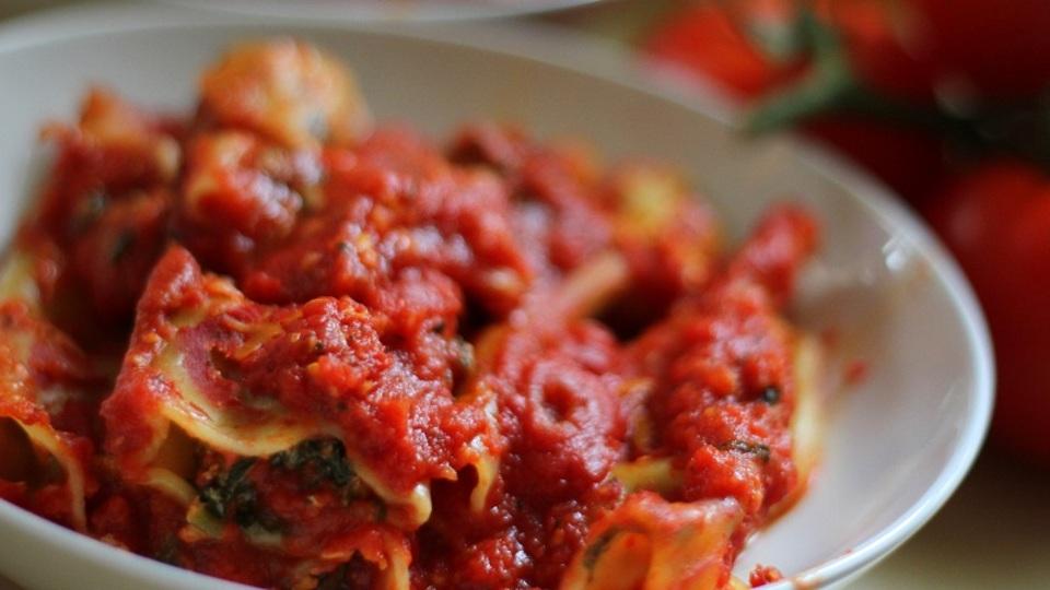 絶品トマトソースの秘密は「オーブンで1時間半ロースト」だった