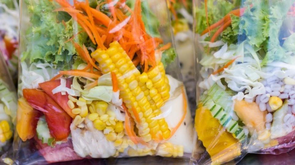 北米では死者も発生:袋詰めサラダの大規模食中毒