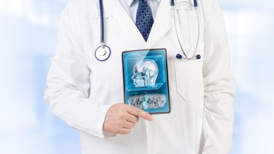 どこでも健康情報を確認できる『ポケットカルテ』がIBMと連携。よりきめ細かな分析結果を提供可能に