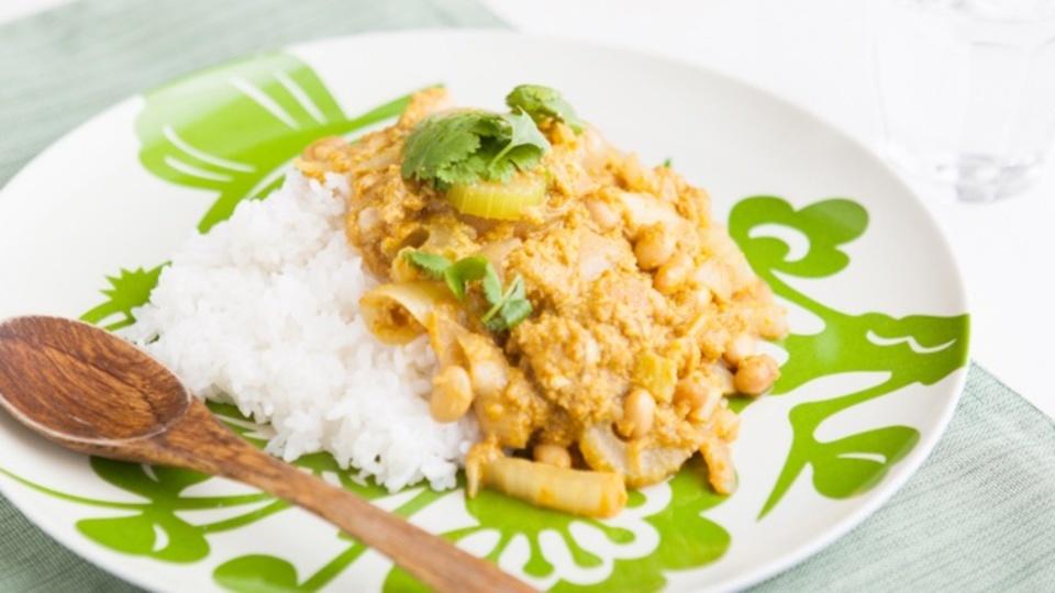 時間がない朝に作るエナジー朝食:加齢臭を解消「豆と卵のカレー」