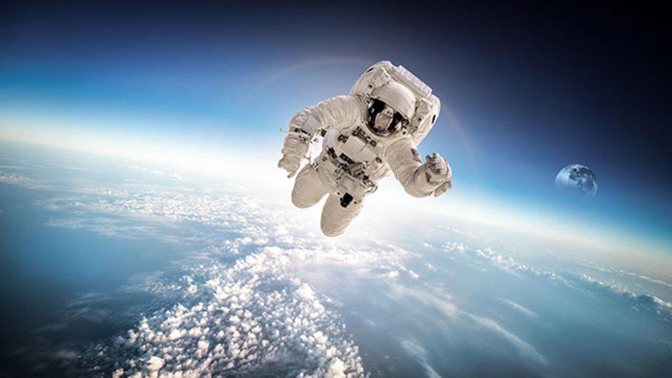 NASAの宇宙飛行士スコット・ケリー氏、宇宙に行ったら身長が5センチ伸びた!