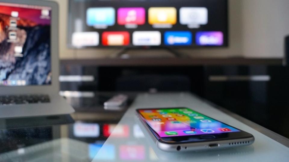 検証:MacユーザーはやっぱりiPhoneを使うべき?