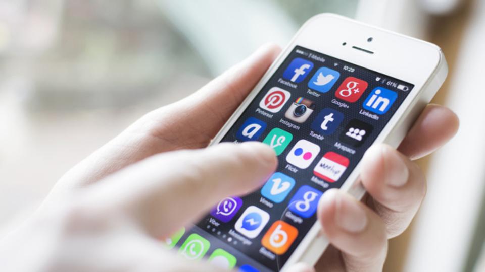 携帯キャリア3社、2年目以降は解約金を取らないプラン導入か