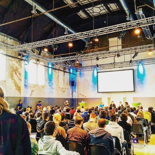 160326amsterdam_conference1.jpg