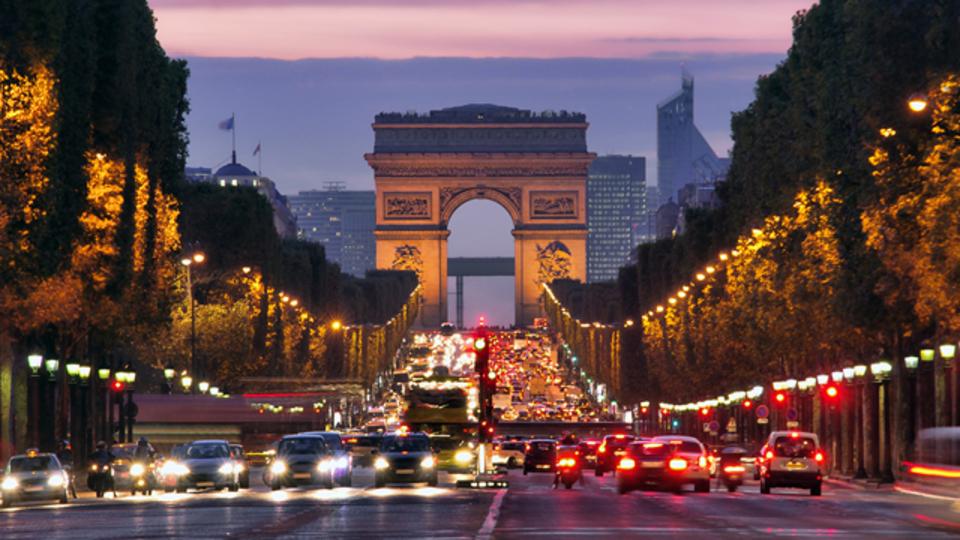 パリに旅行に行った気分になれるタイムラプス
