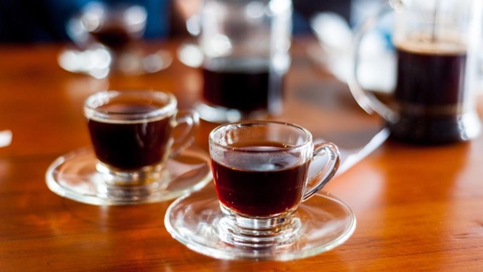 ハーバード大学の研究者「1日5杯までのコーヒーは健康に良い」