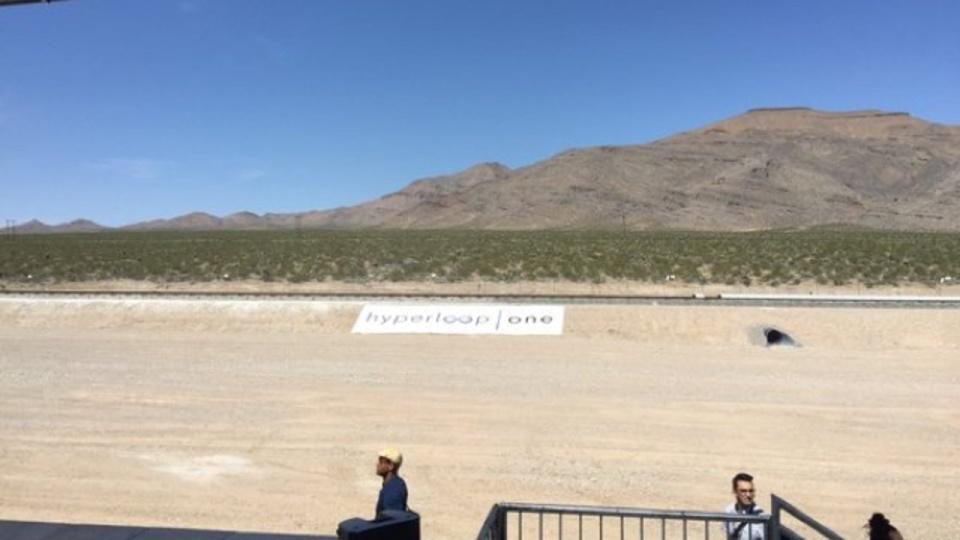 イーロン・マスクのハイパーループ、ネバダ砂漠で初の公開テストが行われる