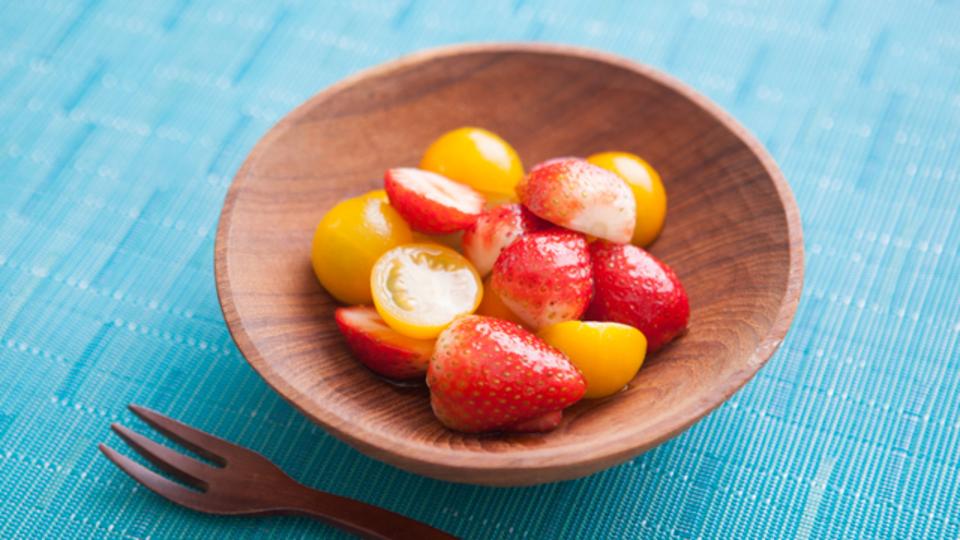 時間がない朝に作るエナジー朝食:初夏の日焼けを予防する「イチゴとプチトマトのサラダ」
