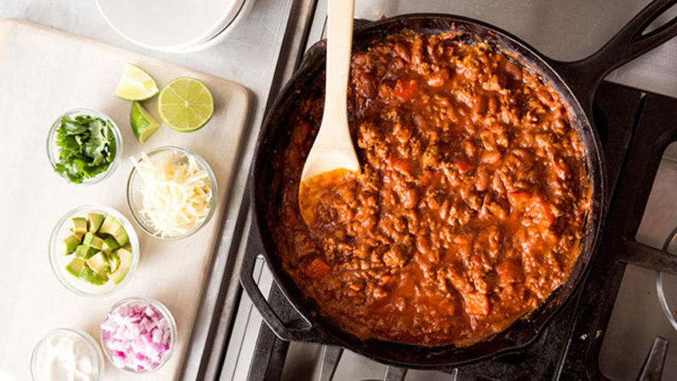 鋳鉄のフライパンで酸性の食材を調理しても実は大丈夫