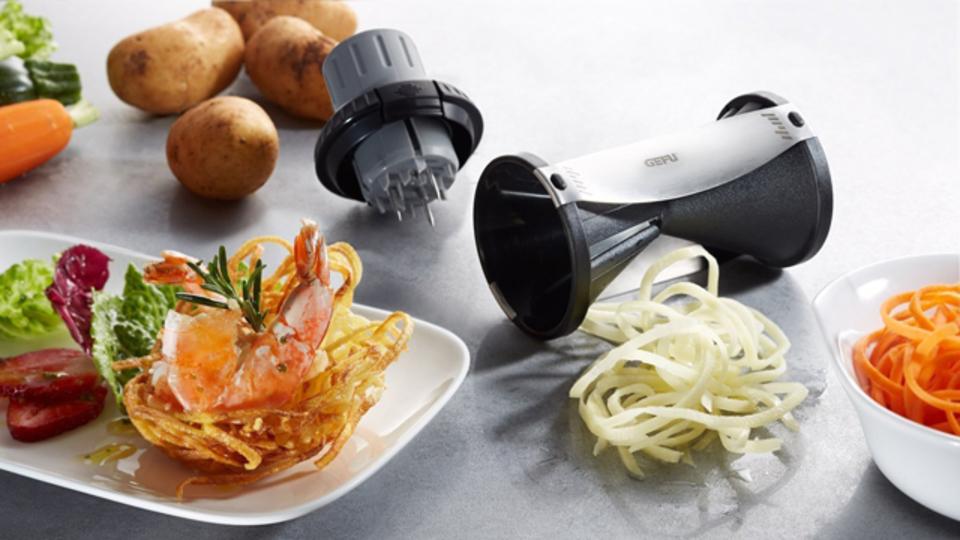野菜をパスタ状にできるスライサー『SPIIRELLI 2.0』【今日のライフハックツール】