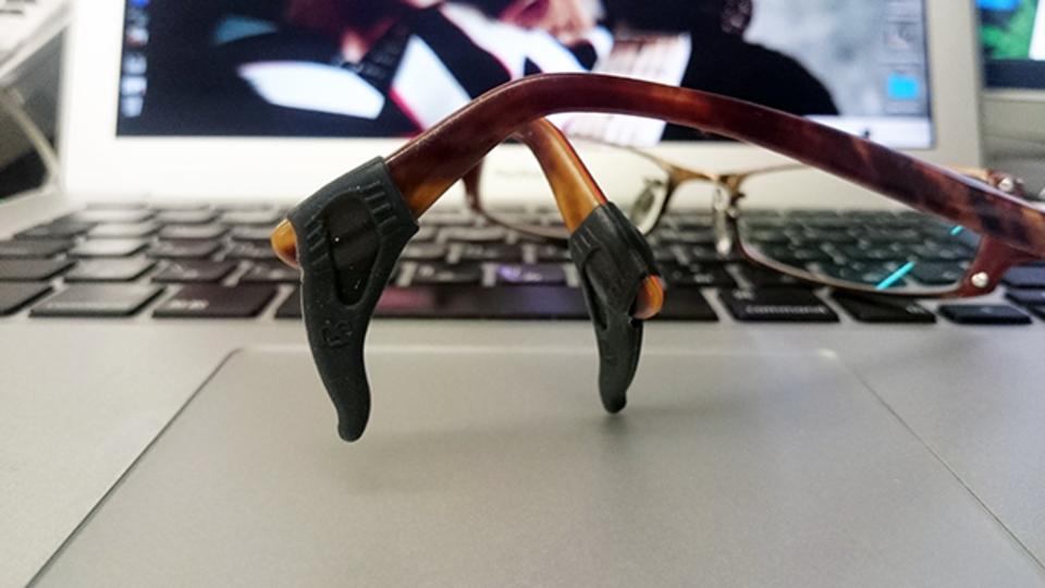 メガネのズレを防いでくれる『メガロックV』【今日のライフハックツール】