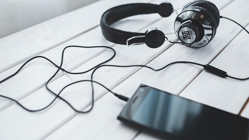 使っているアプリに応じて通知音の大きさを自動でコントロールする方法【今日のライフハックツール】