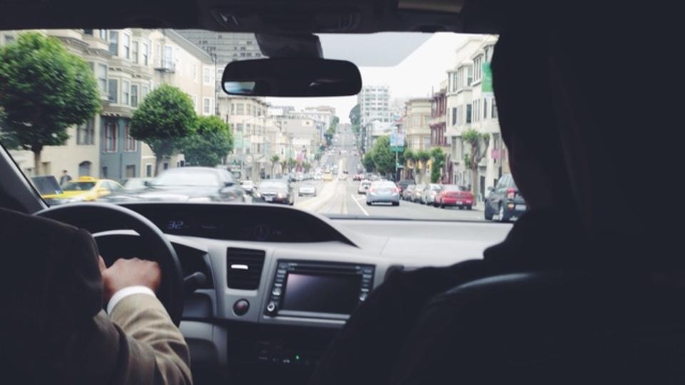 成功しているスタートアップの社長が、バイトでUberのドライバーをやる理由