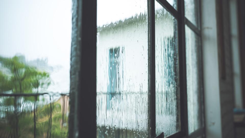 頭痛、肩こり、むくみ...。「梅雨だる」を解消する方法
