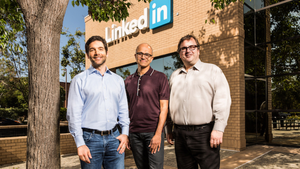 MicrosoftがLinkedInを買収したねらいとは