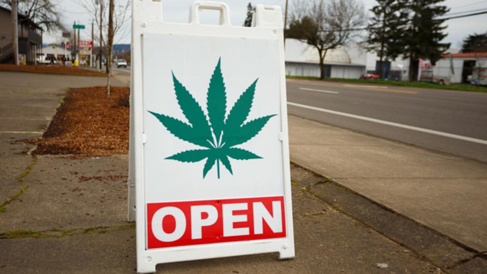 マイクロソフト、大麻ビジネス参入へ