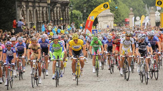 ツール・ド・フランスで、「メカニカルドーピング」対策のサーマルカメラが導入