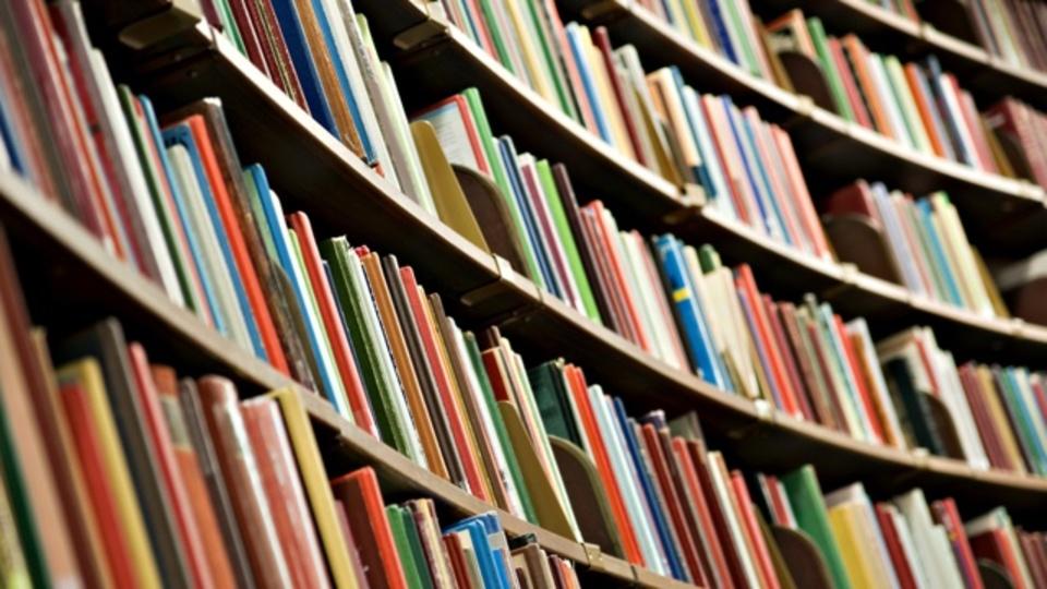 「500冊の自己啓発本」を読んだ女性が教えてくれる5つの教訓