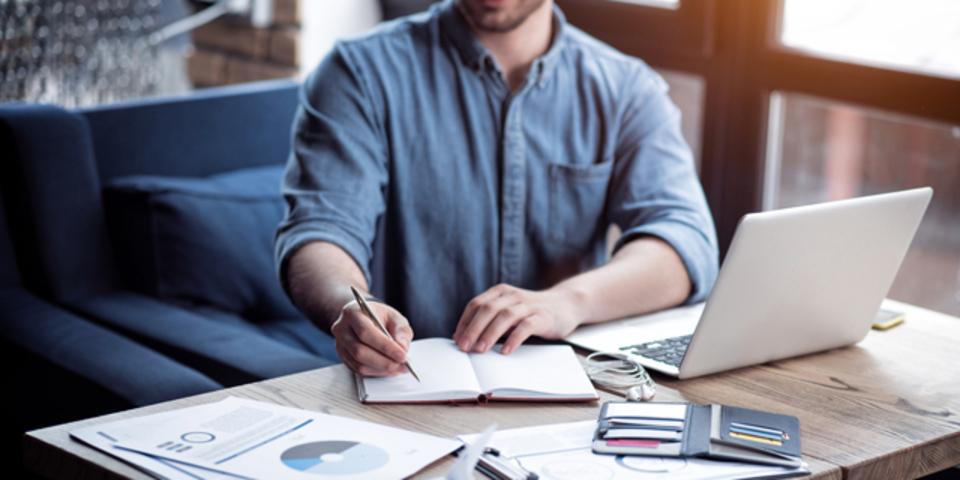 デジタルデバイスとペン・紙を組み合わせたノート取りのテクニック「ミディアム・メソッド」