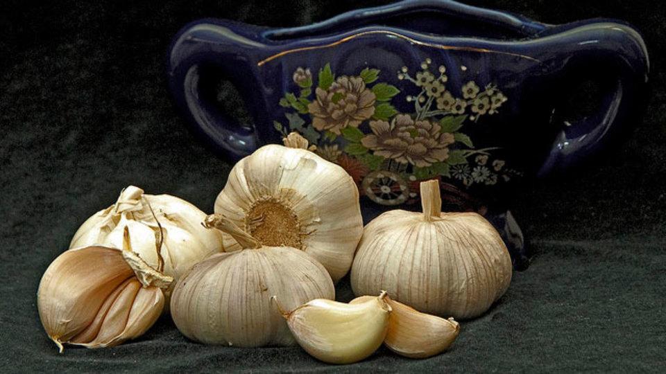 ニンニク臭い息を防ぐ効果を持つ7つの食べ物