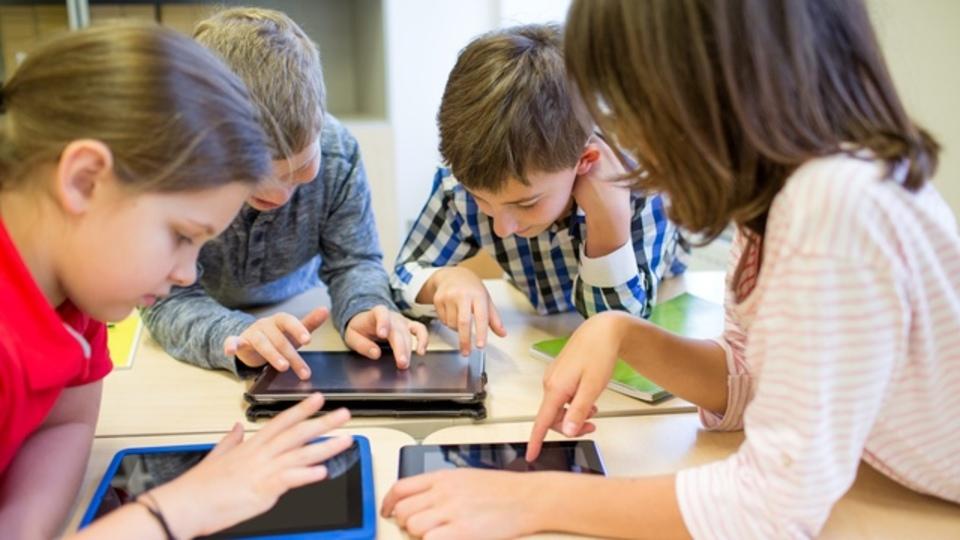セサミストリートとIBMの人工知能Watsonが連携。幼児教育も次世代へ