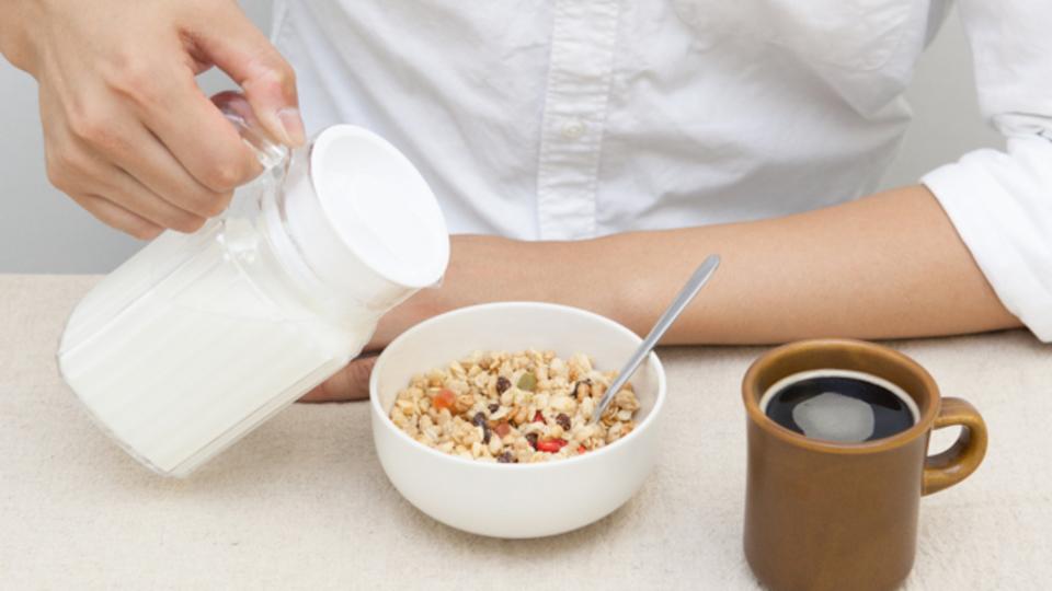ダイエッターたちが注目するロカボ(緩やかな糖質制限)朝食! 「フルグラ」の実力はいかに?