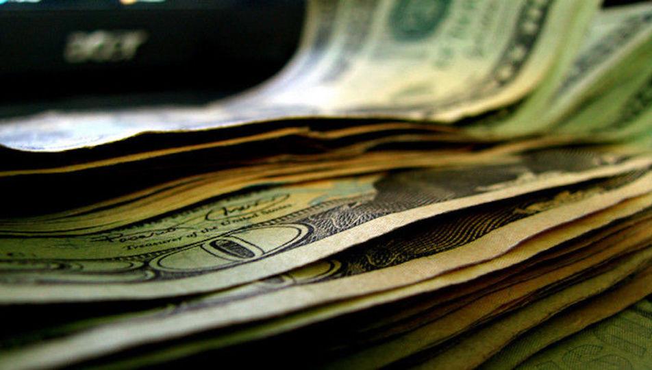 買い物の価値をかみしめたいならカードではなく現金で払おう:研究結果