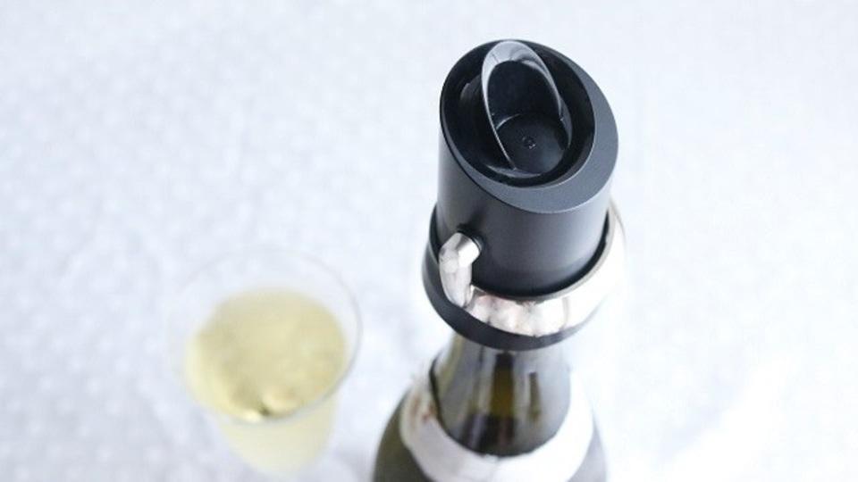 スパークリングワインの炭酸を3日もたせるセーバー【今日のライフハックツール】