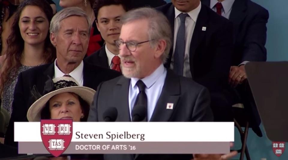 スピルバーグ監督がハーバード大の卒業スピーチで語ったこと