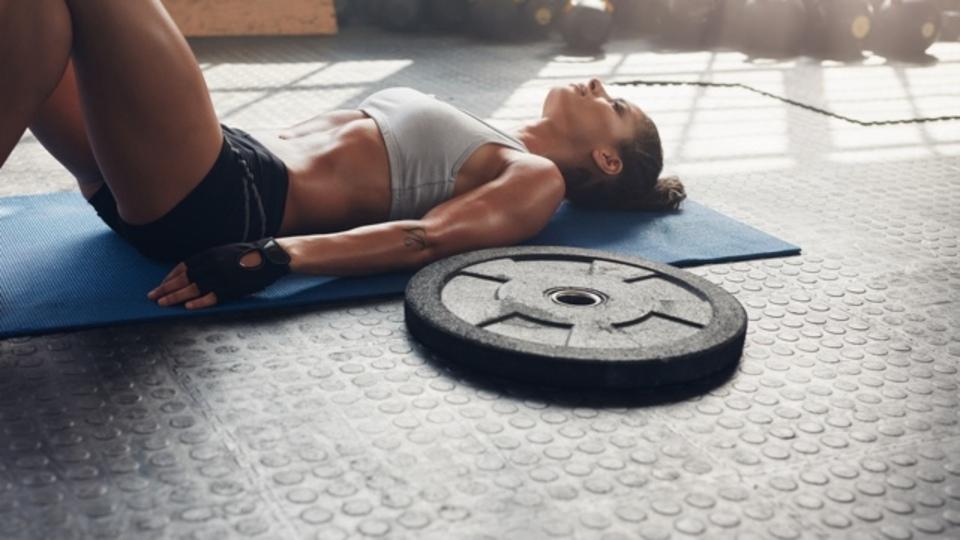 トレーニングの効果を高めるには、セット間の休憩をどれくらいとれば良い?