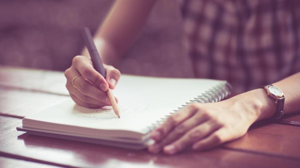 心理学研究でわかった「定期的に文章を書く」ことの効用