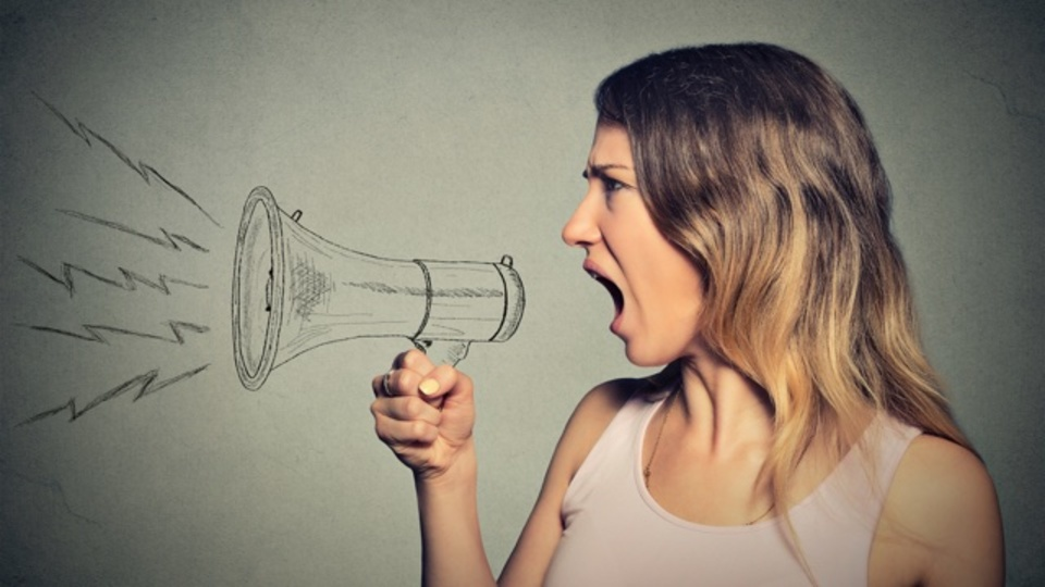 リーダーのネガティブな言葉は病気のように社内を伝わる