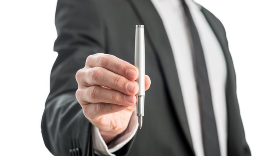「オレにこのペンを売ってみろ」面接でこの質問をされたらどう答える?