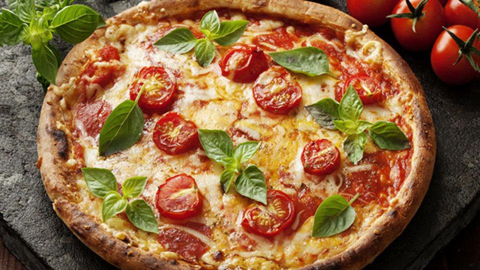 冷凍ピザの味を手軽にグレードアップできるトッピング