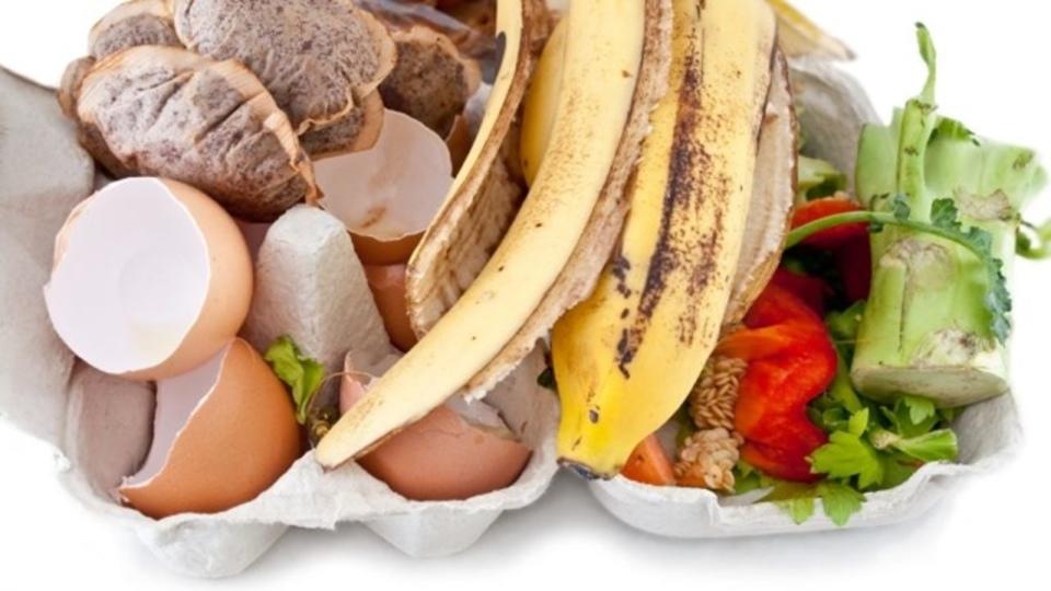 野菜くずなどの家庭ゴミを捨てる前に再利用する賢い10のアイデア