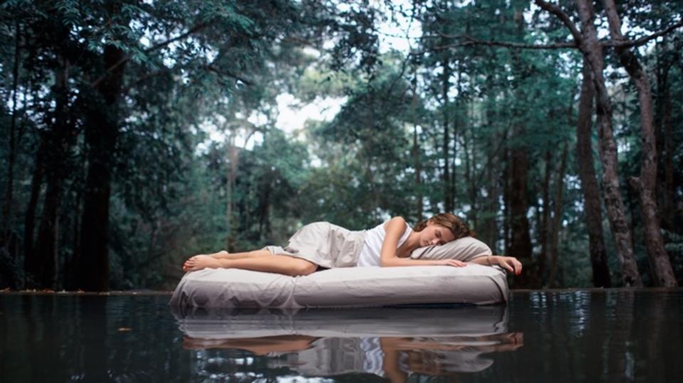 入眠のコツ - 15年以上実践してきた秘密の入眠テクニックを公開しますほか〜木曜のライフハック記事まとめ
