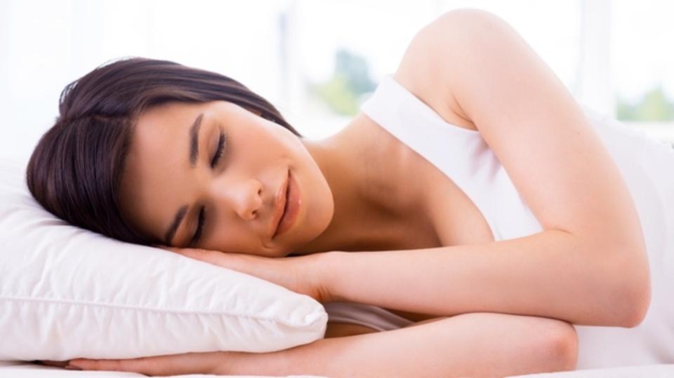 神経科学者も最適と考えている「睡眠時の姿勢」とは?