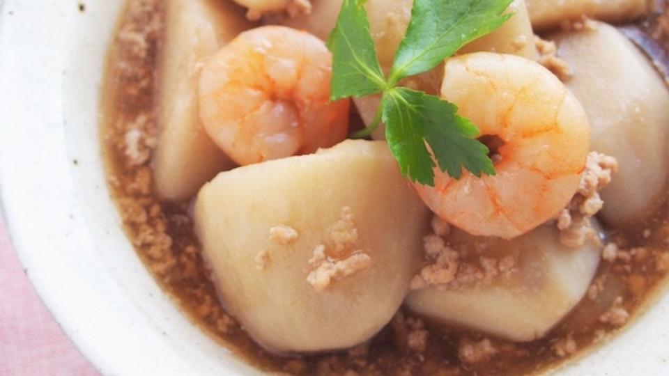 梅酒のつまみにピッタリな「里芋と海老のそぼろ煮」のレシピ