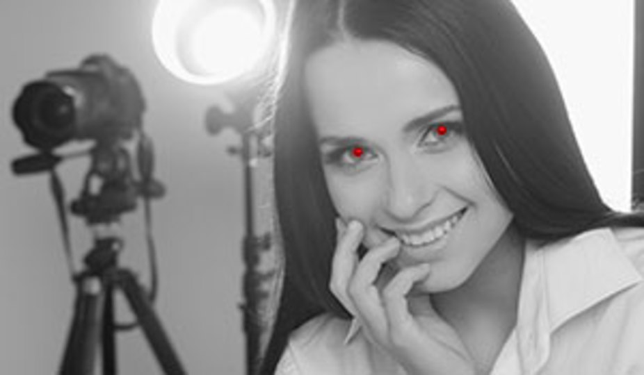 写真撮影で赤目になってしまう理由と赤目を防ぐ方法