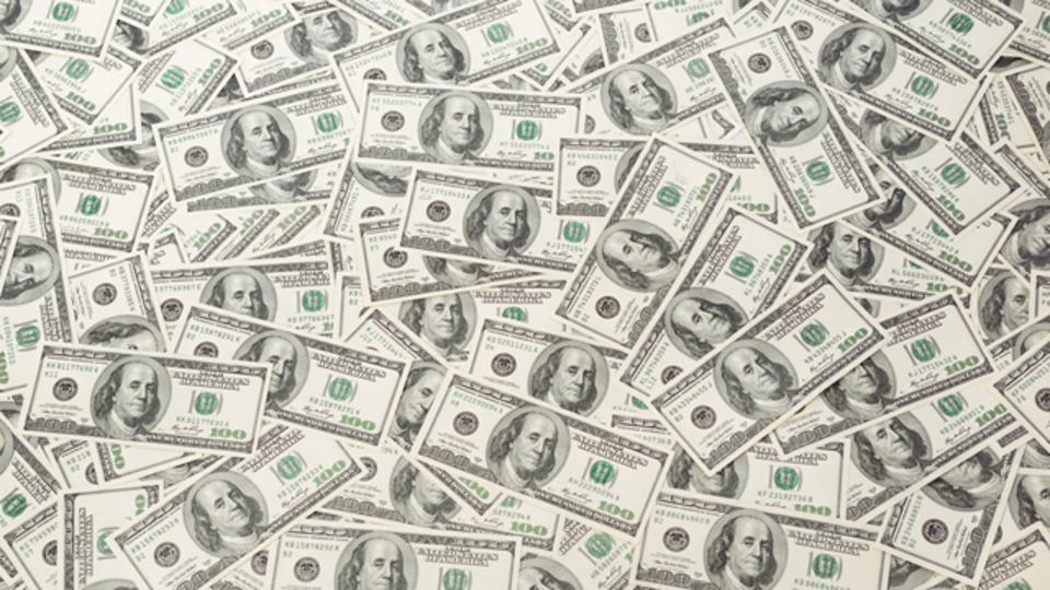 Facebookの共同創業者、ヒラリー陣営に2000万ドルの献金を表明