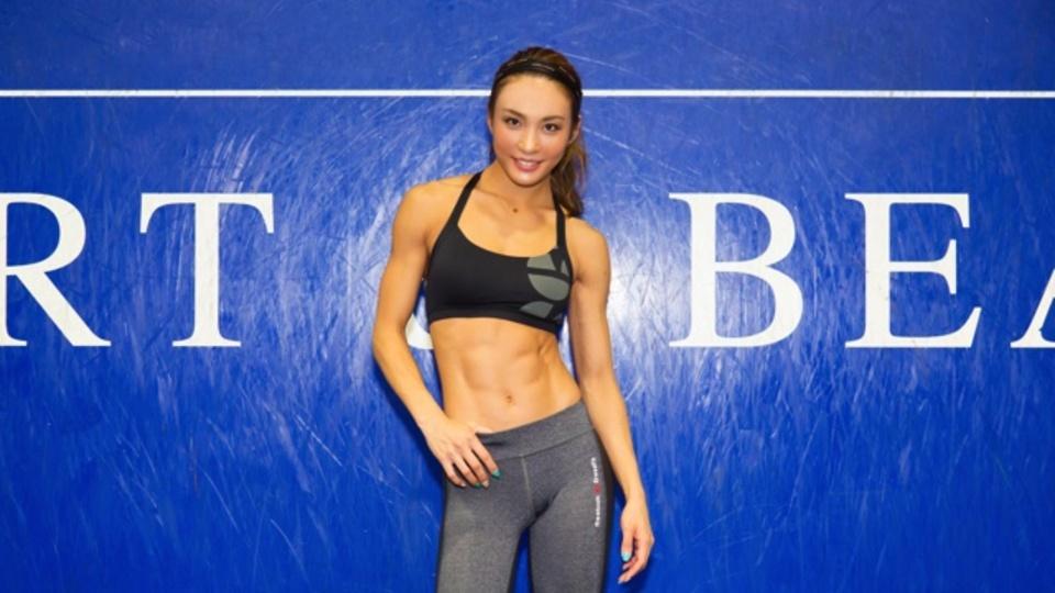 腹筋を鍛えるのに効果的な3つのエクササイズ 〜AYAが教える「クロスフィット」の始め方