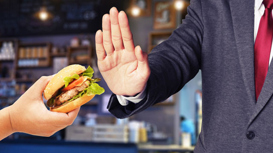「断食」を実践する起業家やスタートアップが増えている理由