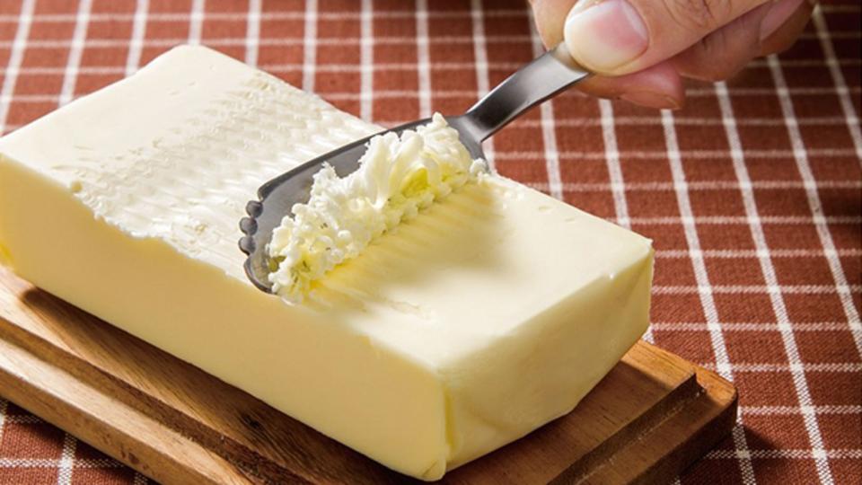 冷えて固いバターも軽く削れるナイフ【今日のライフハックツール】