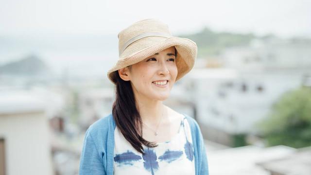都会に住む必要はまったくない? 奈良を活動拠点にする尼さん兼シンガーソングライター・やなせななさんの、これまでと今