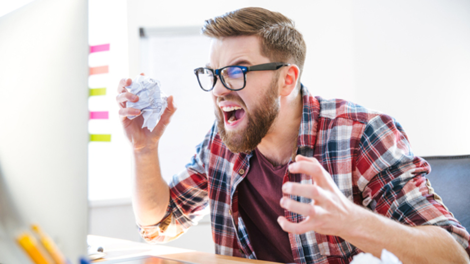 アメリカでは若者ほど職場で「クソッ」と言いがちなことが判明