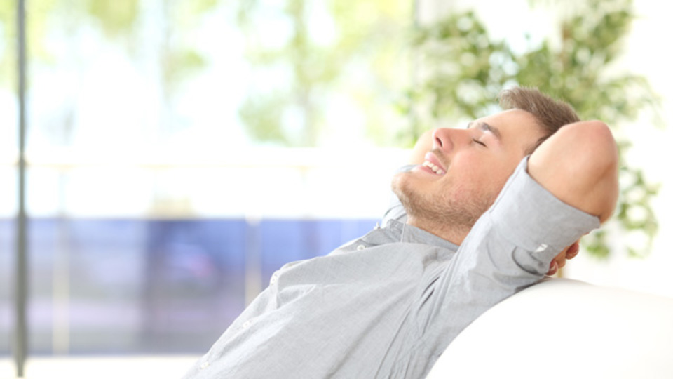 眠りを妨げる原因から悪夢への対処法まで。睡眠について知っておくべき20のこと