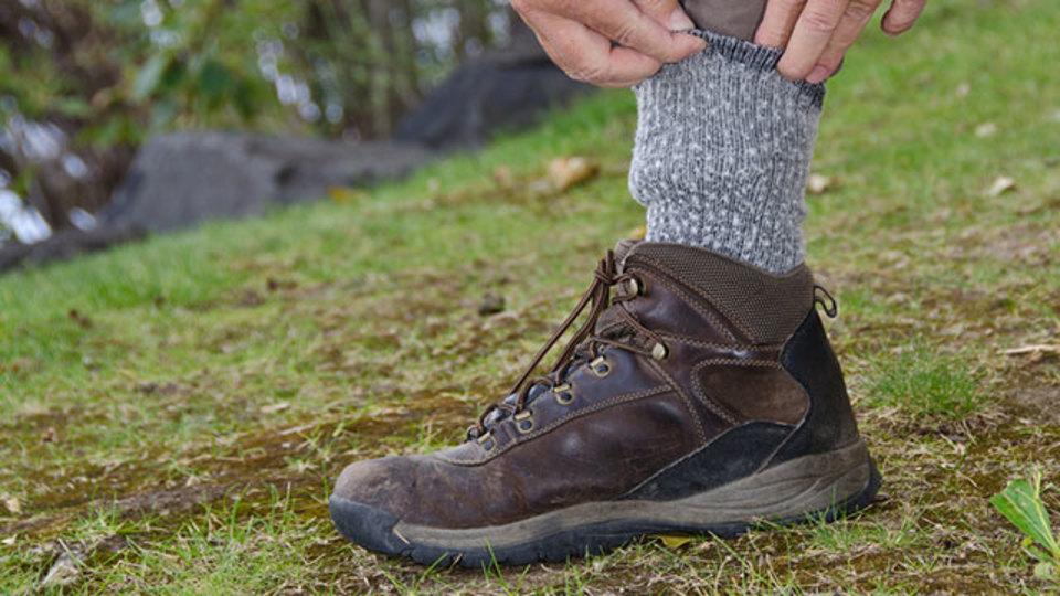 足のマメ予防には靴下の重ね履きが効果的