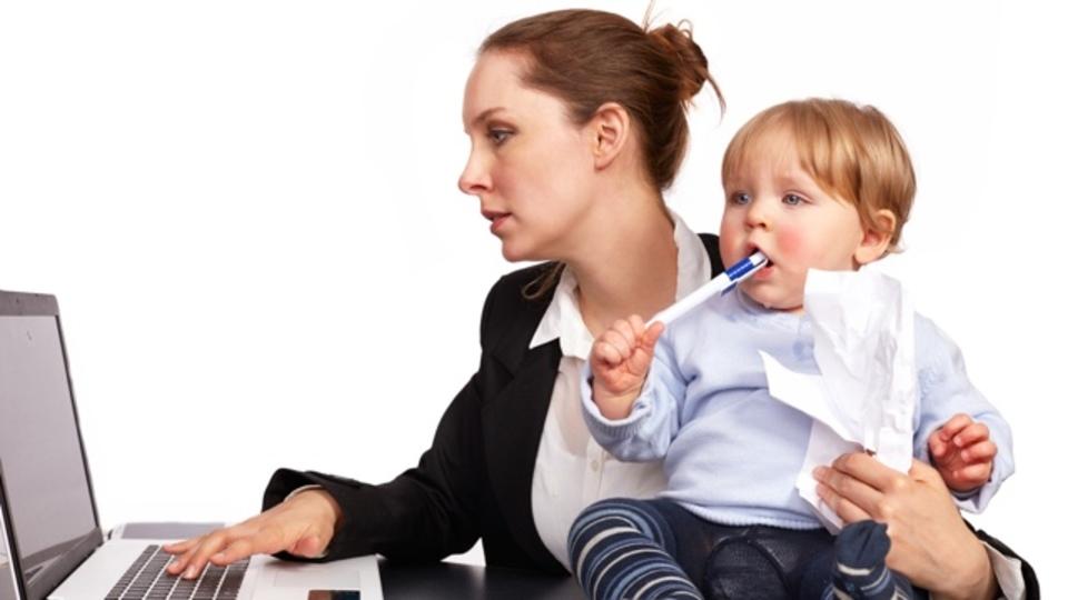 子どもだけでなく親も「テレビやパソコンをどれだけ使うか?」を考えた方がいい理由