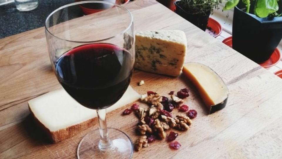 ワインとチーズの相性を調べた研究が発表される