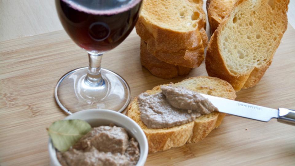 手作りだからより濃厚。ワインのおとも「濃厚チキンレバーパテ」のレシピ